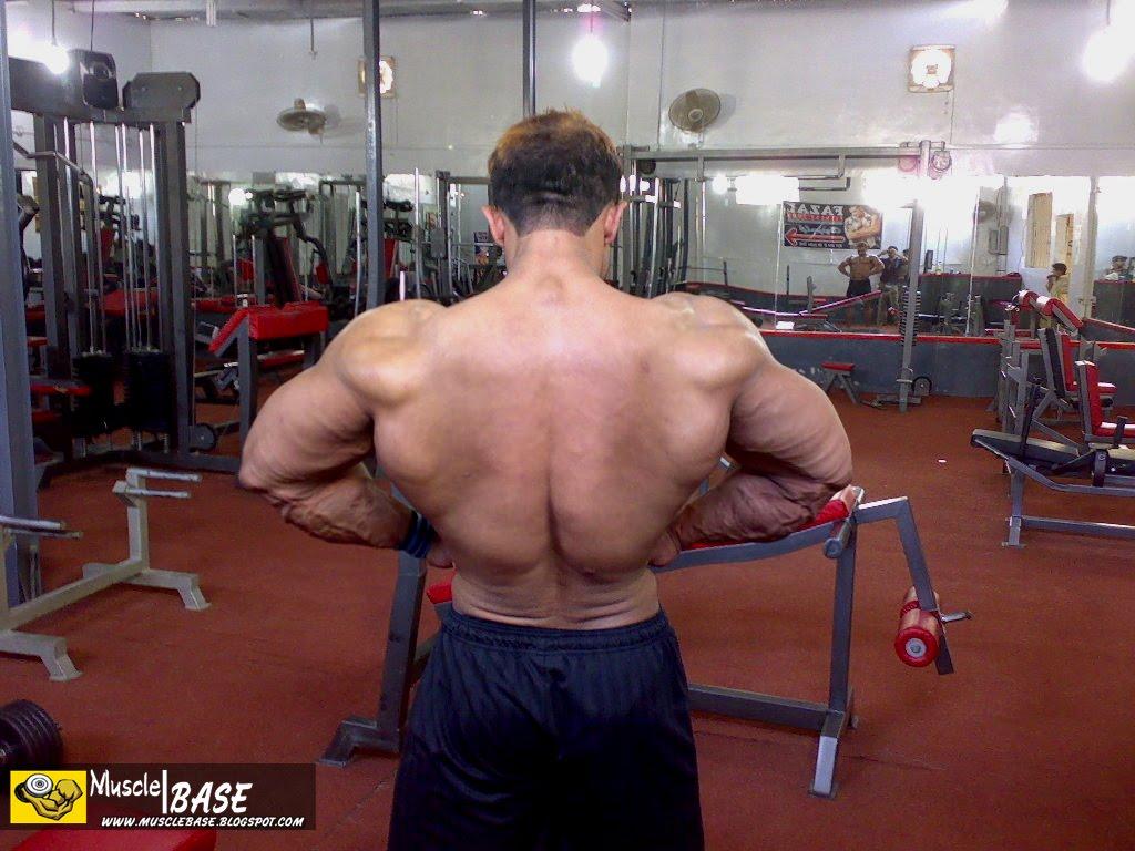 http://4.bp.blogspot.com/_mC1TEdZ4gks/S99Kzve0U7I/AAAAAAAAKNQ/PtV_CZ9V18Q/s1600/Syed%2BFazal%2BElahi%2BTraining%2BIn%2BGym%2B-%2B03%2B-%2Bwww.Musclebase.Blogspot.com.JPG