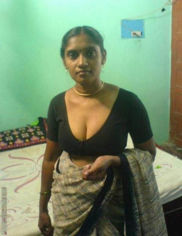 A2Z Picture: update frequently: Mallu aunty blouse cleavage