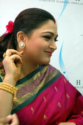 hot-kushboo-aunty-sex-image