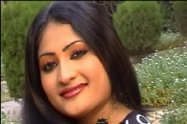 Salma Shah Six Video http://pakhotact.blogspot.com/2011/02/salma-shah-popular-pakistani-pashto-tv.html