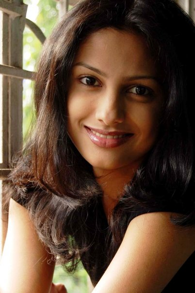 Star Plus Cute Drama Actress Rucha Hasabnis Hot And