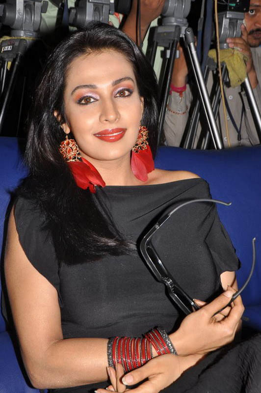 Asha Saini At Philips d Launch Hot Loose Dress Celebrities Photos hot photos