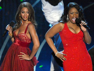 Beyonce and Jennifer Hudson sing 'Listen' and other Dreamgirls hits at the 2007 Oscars