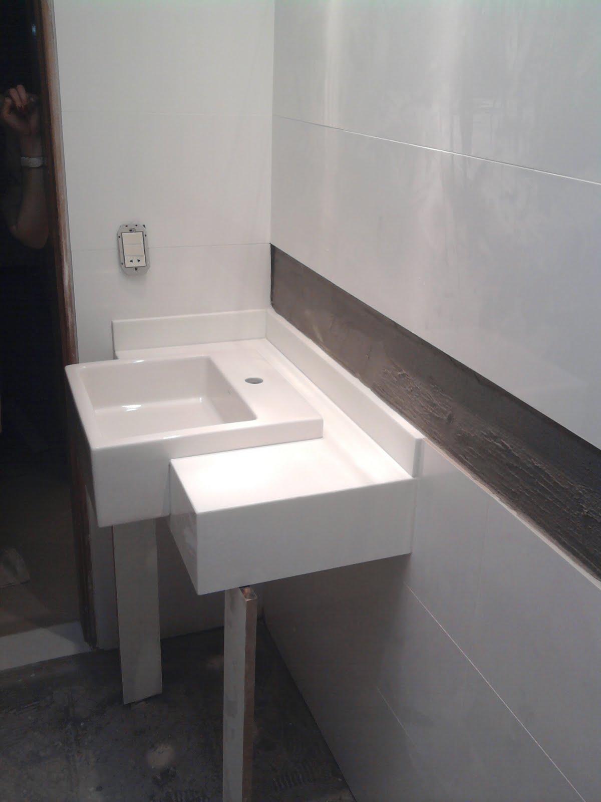 OLHA O MEU APÊ: Bancada no lugar êêê! #625753 1200x1600 Bancada Banheiro Marmoglass