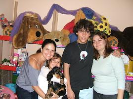 Nina e sua Familia Linda