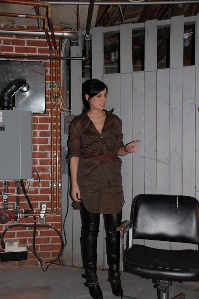 chemise(zara),montre(à Étienne), ceinture(vintage), pantalon de cuir et bottes(La Squadra)