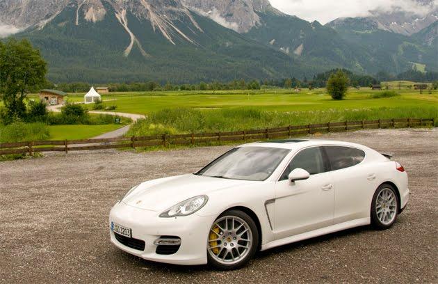 2010 Porsche Panamera Previews