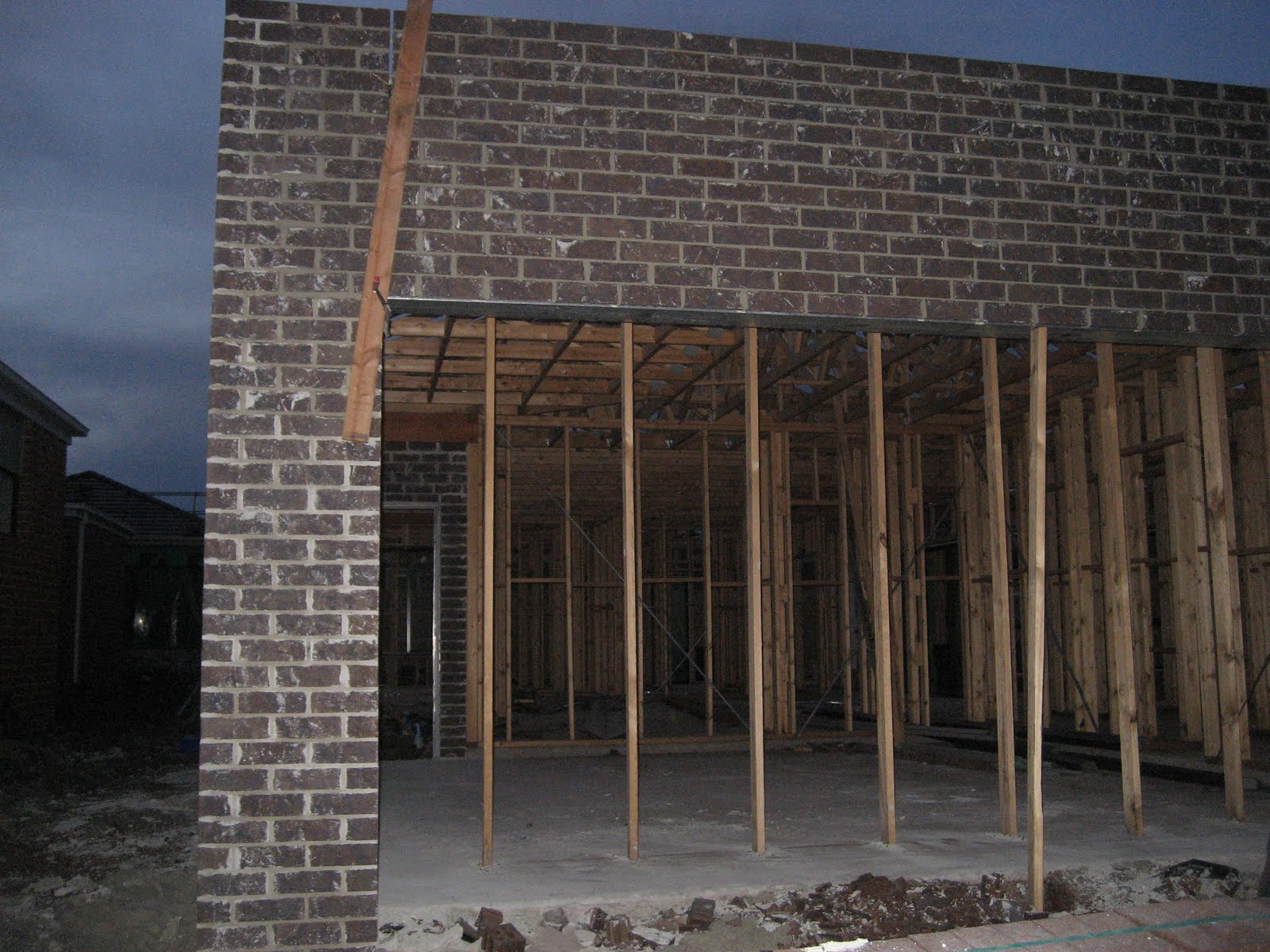 how to build a brick garage wall