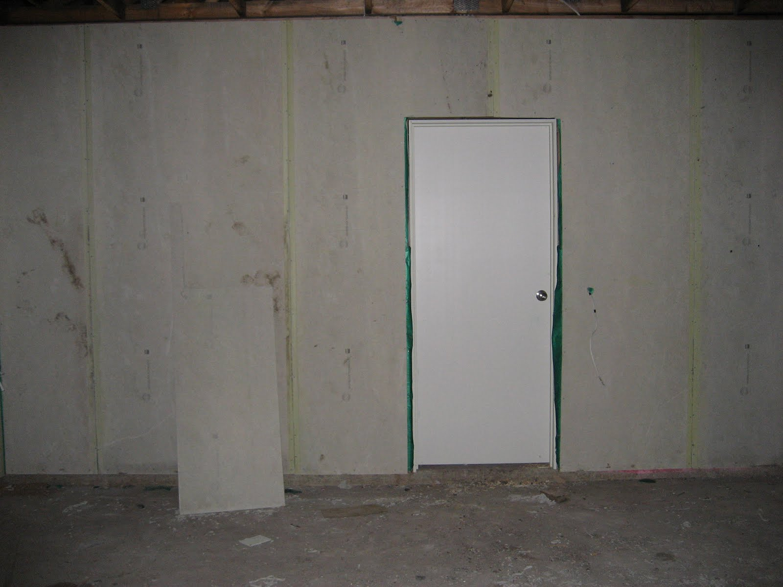 Building our galleria day 150 internal lock up work for Rear garage door