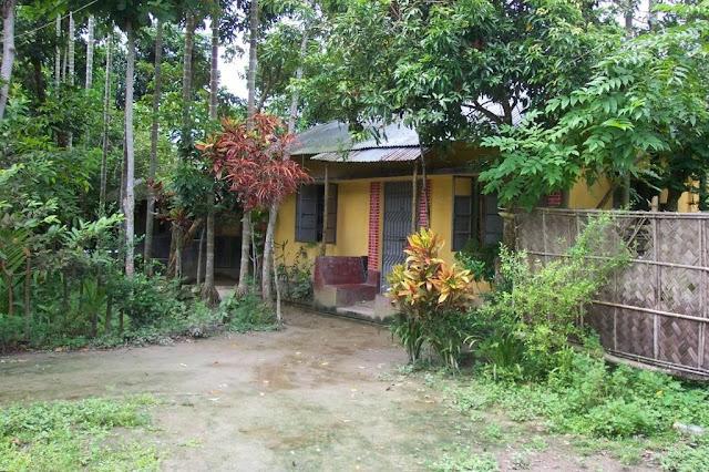 [village+house.jpg]