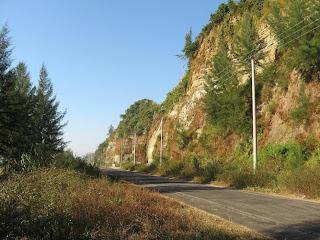 [hills+road.jpg]