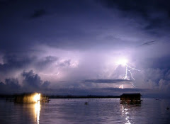 """""""El Relámpago del Catatumbo"""", visto desde la costa suroriental del Lago de Maracaibo."""