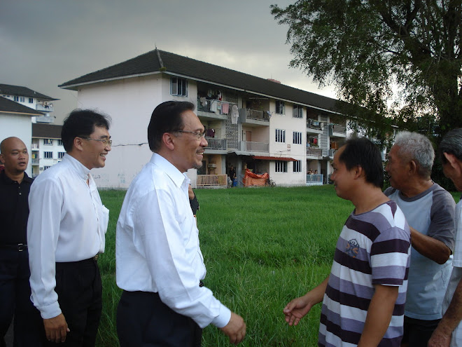 YB Dominique Ng And Datuk Seri at KMC Flat.