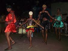 Jovens da Vila encenam a leveza do reggae