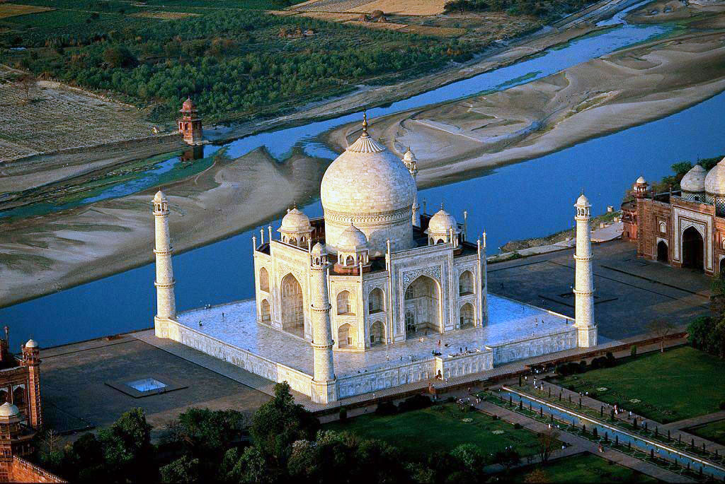 Beautiful Taj Mahal In Agra,