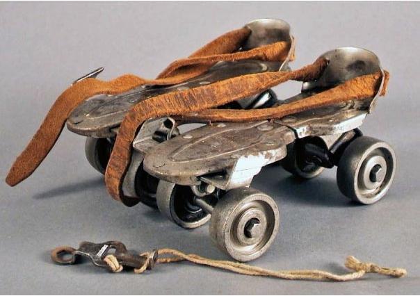 старые роликовые коньки