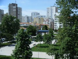 Palco na Praça Luís de Camões