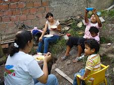 Estuvimos almorzando con la comunidad del sector las MINAS de la Comuna 18