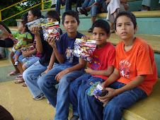 Con los niños de la MINA, Comuna 20