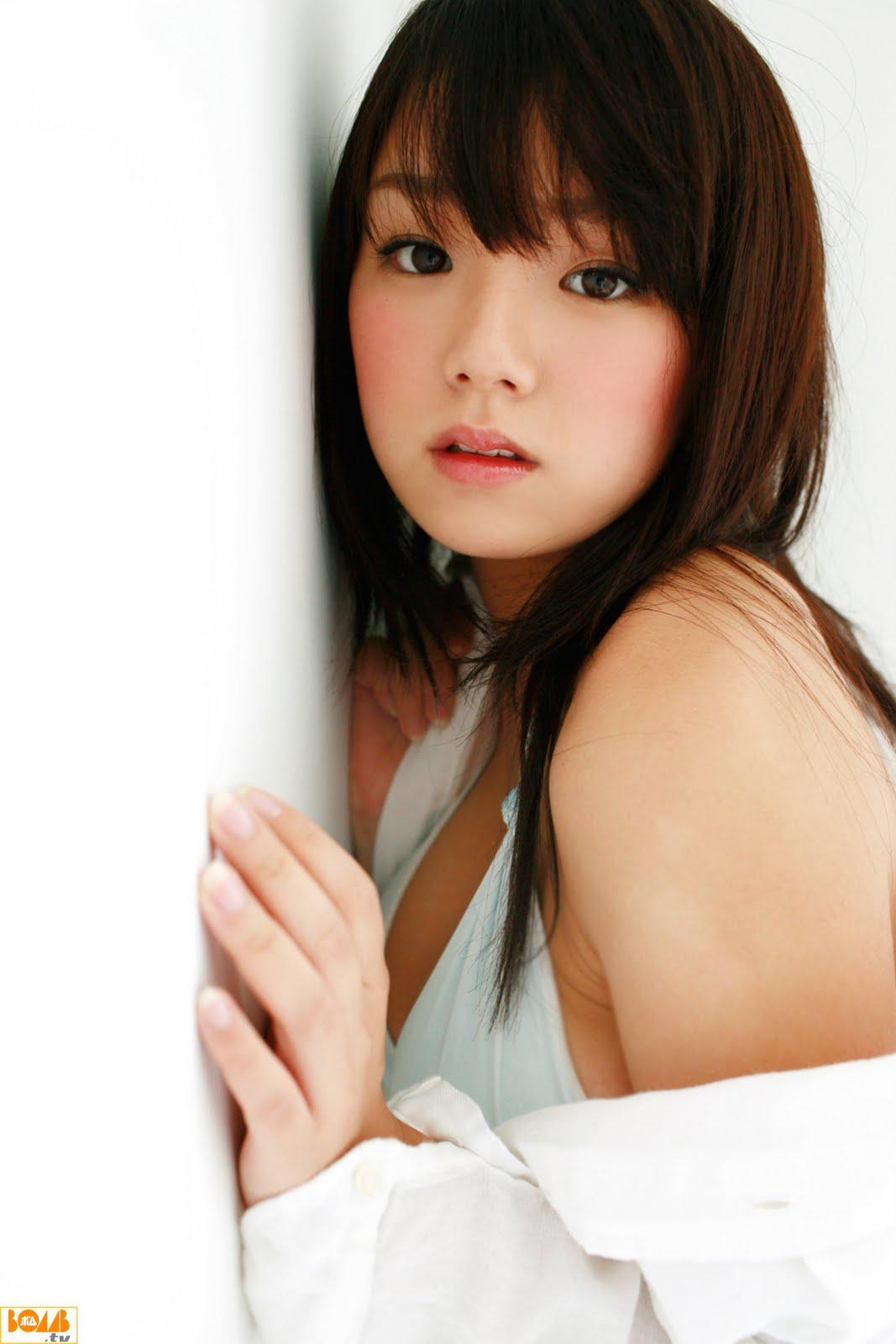 Ai Shinozaki photos