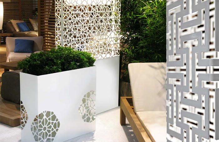 Casas minimalistas y modernas macetas para combinar en for Jardineras modernas exterior