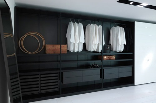 Casas minimalistas y modernas guardarropas en marron for Closet modernos para hombres