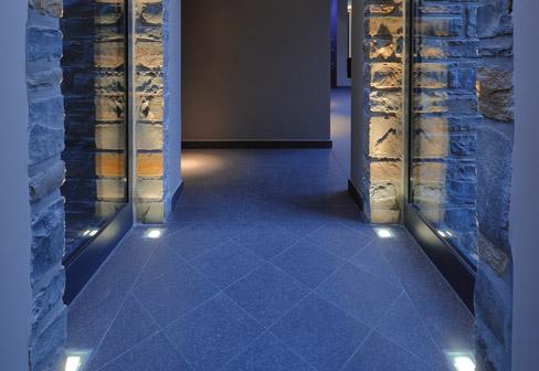 Casas minimalistas y modernas category iluminacion for Luces para exterior de casa