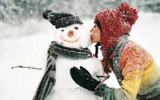 Kissing the Snowman HD Wallpapers