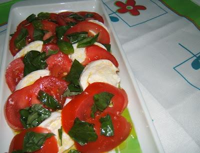 Ensalada caprese (insalata capresi)