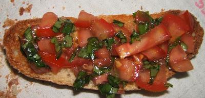 Bruschetta (tartine tomate, basilic, ail, huile d'olive)