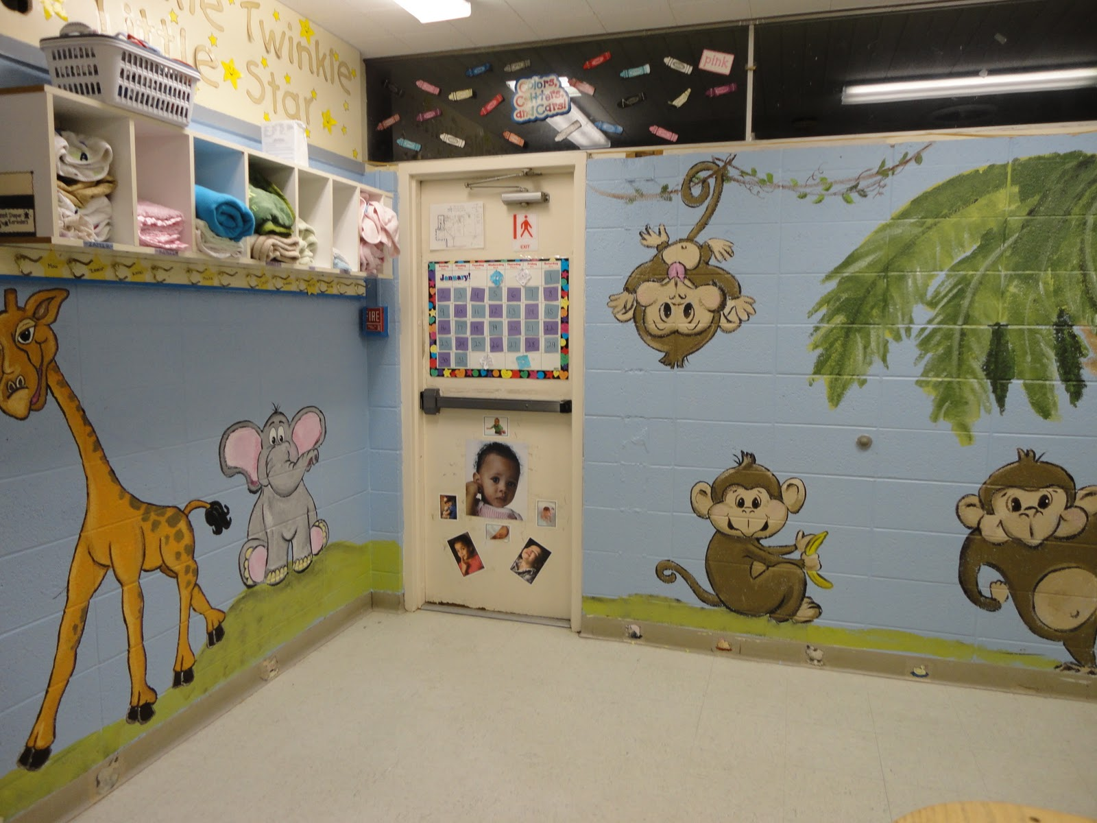 artistic murals animal mural for a baby room at a daycare preschool wall murals daycare murals playroom mural
