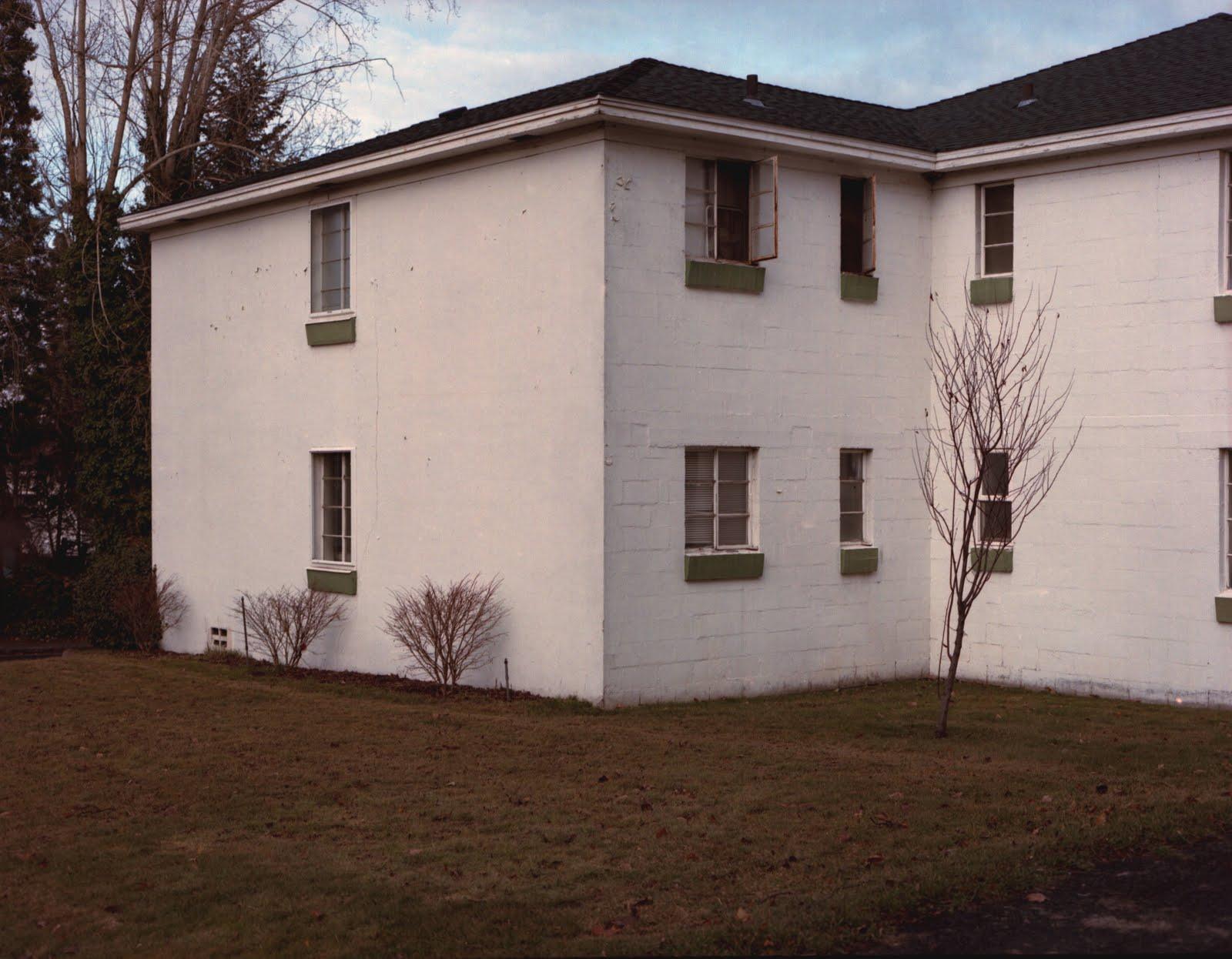[white+apartments+spokane]