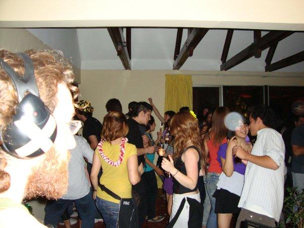 Gran fiesta en el barrio de jesus