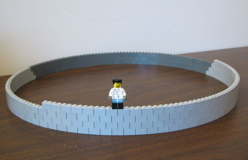 Leonardo 39 s legos lego 101 for Curved wall