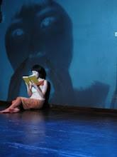Play reading: women read