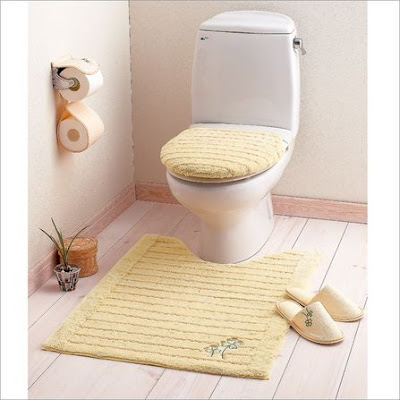 Dress up your toilet china home decor for Decoration toilette
