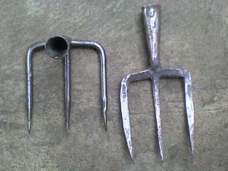 garuk atau garpu