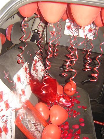 surpresa com balões no carro do namorado