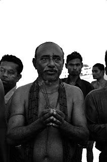 வணக்கம் வைப்பது தீண்டாமையா...? Ujiladevi.blogpost.com