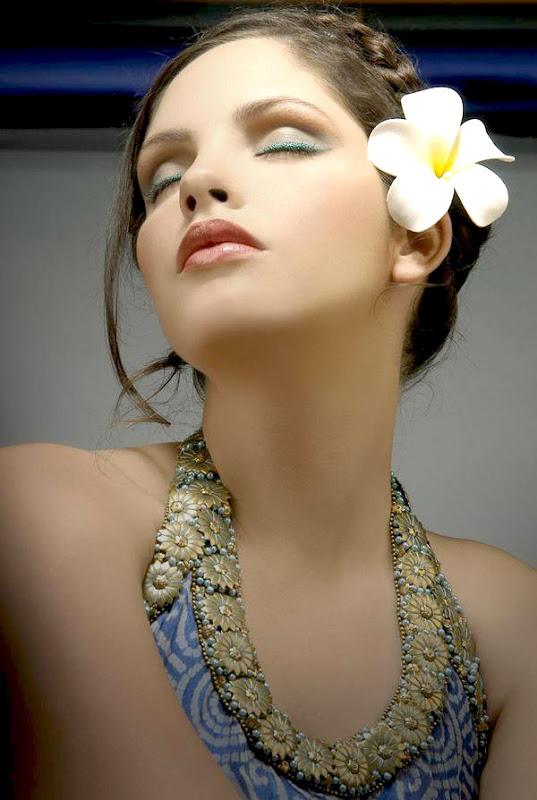 Gita Soto - Super Beautiful Indian-British Model Pictures
