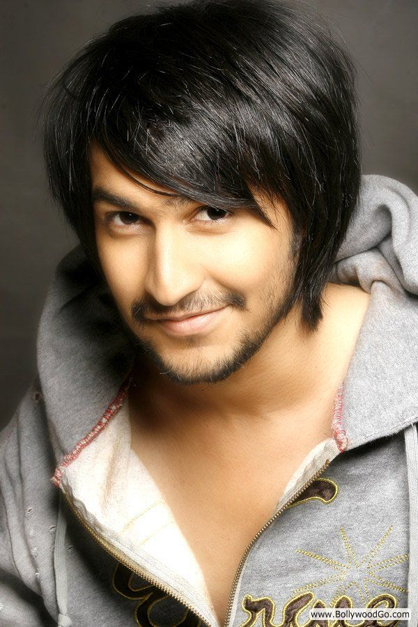 Hot Indian Men http://www.bollywoodgo.net/2011/01/ankur-moondhra-pictures-hot-indian-male.html