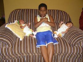 Meus 3 filhos o do meio é o Abner