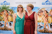 Jodie Foster &amp; Wendy Orr at Nim&#39;s Island world premier, QLD