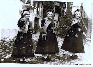 Las tres Candelarias en la calle de la Iglesia
