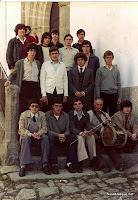 Candelario Salamanca los quintos del 82 en la puerta de la Iglesia