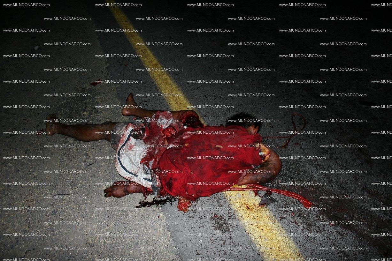 Fotos ejecutados por los Zetas , los Colgaron en San Luis Potosi