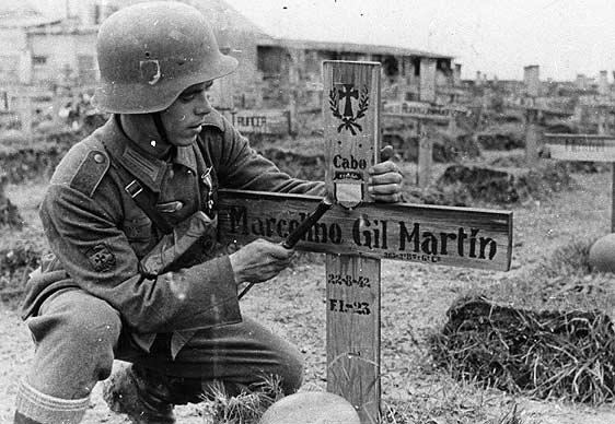 Segunda Guerra Mundial - Página 2 Divisi%25C3%25B3n+azul+1