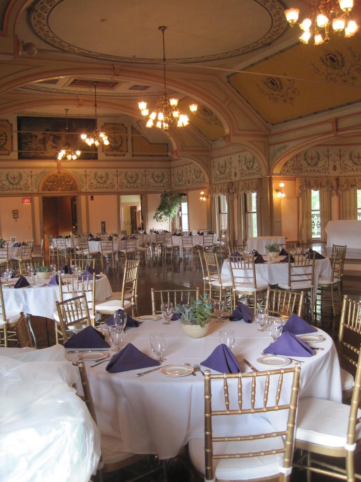 Finding the Perfect Wedding Location: Roger Williams Park Casino and ...