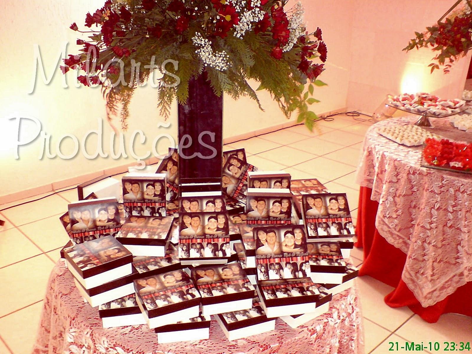 : Lembrança de casamento: Caixa de madeira personalizada com fotos #B1571A 1600x1200