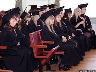Новости НГАУ. Вручение дипломов магистрам.